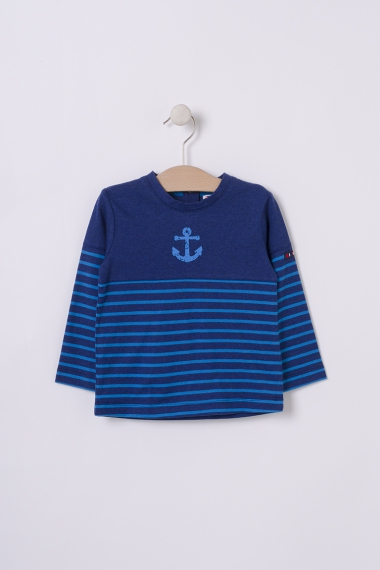 Navy t-shirt with anchor